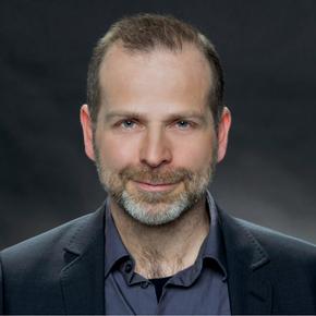 Dr. Axel Schumacher